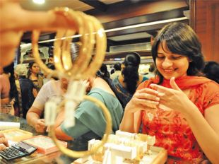 Gold jewellery buyers in India